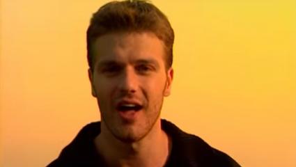 Κουίζ: Θυμάσαι το όνομα 10 τραγουδιστών που έκαναν μια μεγάλη επιτυχία και μετά εξαφανίστηκαν;
