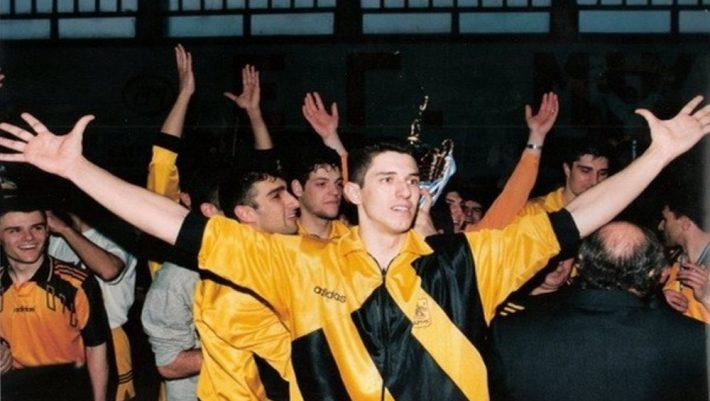 10/10 ούτε ο Αλευρόπουλος: Αναγνωρίζεις τον βολεϊμπολίστα των '90s από μια φωτογραφία;