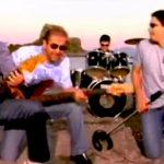 10/10 ούτε για αστείο: Σου δίνουμε 10 αγαπημένα καλοκαιρινά ελληνικά τραγούδια, θα βρεις τον στίχο που λείπει;