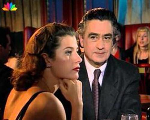 Κουίζ για αυθεντίες: Θα βρεις το επάγγελμα 10 πρωταγωνιστών ελληνικών σειρών που ελάχιστοι θυμούνται;