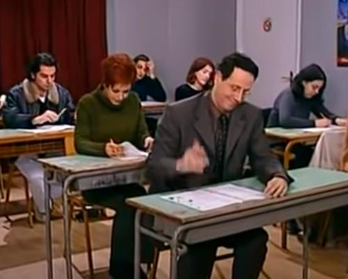 Κάτω από 8/10 ντροπή: Θα απαντήσεις σωστά σε 10 ερωτήσεις πανελληνίων των ελληνικών σειρών που ζορίζουν και τον Μπαμπινιώτη;